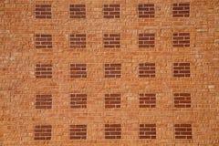 Ανοικτό κόκκινο τούβλο με τα σκοτεινά τετράγωνα οριζόντια Στοκ Φωτογραφίες