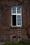 ανοικτό παράθυρο Στοκ Φωτογραφίες