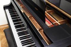 ανοικτό πιάνο συναυλίας Στοκ εικόνες με δικαίωμα ελεύθερης χρήσης