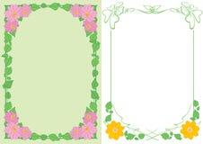 Ανοικτό πράσινο και άσπρα υπόβαθρα A4 με τα λουλούδια στις γωνίες - διανυσματικά κάθετα πλαίσια στοκ εικόνες με δικαίωμα ελεύθερης χρήσης