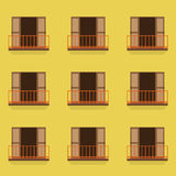 Ανοιχτές πόρτες με το εκλεκτής ποιότητας ύφος μπαλκονιών Στοκ φωτογραφίες με δικαίωμα ελεύθερης χρήσης