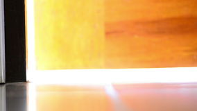 Ανοιχτή πόρτα για να αρχίσει την έννοια απόθεμα βίντεο