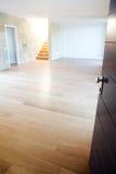 Ανοιχτή πόρτα σε ένα καινούργιο σπίτι Στοκ Εικόνες