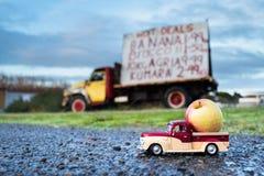 Ανοιχτό φορτηγό της Apple Στοκ Φωτογραφία