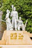 ΑΝΟΙ, ΒΙΕΤΝΑΜ - 16 ΔΕΚΕΜΒΡΊΟΥ 2016: Άποψη του μνημείου στο πάρκο πόλεων κάθετος Στοκ Εικόνα
