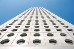Ανοδική προοπτική του ουρανοξύστη σπιτιών Jardine, κεντρική περιοχή, Χονγκ Κονγκ Στοκ Φωτογραφία