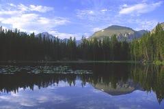 αντέξτε τα βουνά λιμνών δύσκ& Στοκ εικόνα με δικαίωμα ελεύθερης χρήσης
