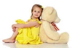 αντέξτε το κορίτσι λίγα teddy Στοκ φωτογραφία με δικαίωμα ελεύθερης χρήσης
