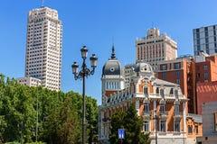Αντίθεση μορφών Arquitecture στη Μαδρίτη, Ισπανία Στοκ Φωτογραφία