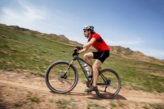 Ανταγωνισμός andventure ποδηλάτων βουνών Στοκ Εικόνα