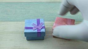 Ανταλλαγή ενός δώρου απόθεμα βίντεο