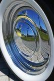 αντανάκλαση αυτοκινήτων hubcap Στοκ εικόνες με δικαίωμα ελεύθερης χρήσης
