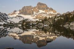 Αντανάκλαση λιμνών γρανατών, αγριότητα Ansel Adams, Καλιφόρνια Στοκ φωτογραφία με δικαίωμα ελεύθερης χρήσης