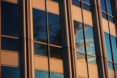 αντανάκλαση σύννεφων Στοκ Φωτογραφίες