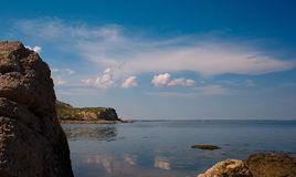 Αντανάκλαση Ακτή της Μαύρης Θάλασσας, Κριμαία Στοκ εικόνα με δικαίωμα ελεύθερης χρήσης