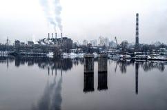 Αντανάκλαση εικονικής παράστασης πόλης εγκαταστάσεων Στοκ φωτογραφία με δικαίωμα ελεύθερης χρήσης