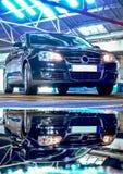 Αντανάκλαση επιχειρησιακών αυτοκινήτων Στοκ εικόνες με δικαίωμα ελεύθερης χρήσης