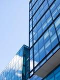 Αντανάκλαση μπλε ουρανού και σύννεφων Στοκ Εικόνα