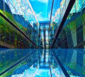 Αντανάκλαση παραθύρων γυαλιού Στοκ φωτογραφία με δικαίωμα ελεύθερης χρήσης