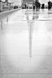 Αντανάκλαση πύργων του Άιφελ Στοκ Φωτογραφίες