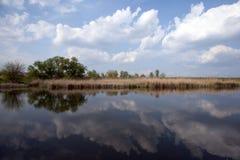 Αντανάκλαση στη λίμνη στοκ φωτογραφίες