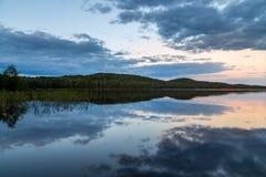 Αντανάκλαση στο θερινό βράδυ Στοκ εικόνες με δικαίωμα ελεύθερης χρήσης