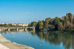 Αντανάκλαση στο Po ποταμό, Τορίνο, Ιταλία Στοκ Φωτογραφίες