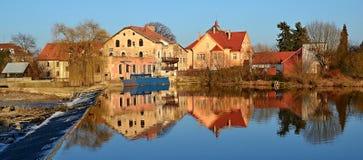 Αντανάκλαση των σπιτιών Στοκ Εικόνες