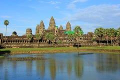 Αντανάκλαση Angkor wat στο νερό Στοκ Φωτογραφίες
