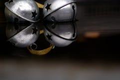 αντανακλάσεις κουδουνισμάτων κουδουνιών Στοκ Φωτογραφίες