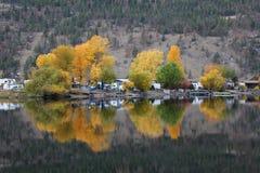 αντανακλάσεις λιμνών καμ&pi Στοκ Φωτογραφία