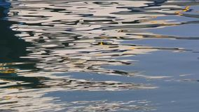 Αντανακλάσεις νερού στο λιμάνι φιλμ μικρού μήκους