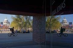 Αντανακλάσεις στη στοά του Tate Modern Στοκ Εικόνες