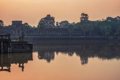 Αντανακλάσεις & ανατολή Angkor στοκ φωτογραφία με δικαίωμα ελεύθερης χρήσης