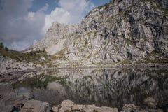 Αντανακλάσεις στη λίμνη Στοκ φωτογραφία με δικαίωμα ελεύθερης χρήσης