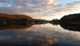Αντανακλάσεις στο νερό Coniston Στοκ Εικόνες