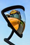 Αντανακλάσεις σχολικών λεωφορείων στοκ εικόνες