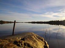 Αντανακλημένος ουρανός στο νερό Στοκ Φωτογραφίες