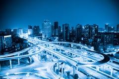 Ανταλλαγή πόλεων με τον μπλε τόνο στοκ εικόνες