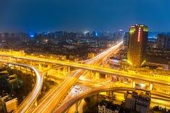 Ανταλλαγή πόλεων τη νύχτα στοκ εικόνα με δικαίωμα ελεύθερης χρήσης