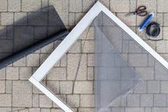 Αντικατάσταση της πόρτας μερών θύελλας οθόνης Στοκ εικόνα με δικαίωμα ελεύθερης χρήσης