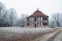 Αντικείμενο άνευ αξίας το χειμώνα με τα δέντρα, Fertod Στοκ φωτογραφία με δικαίωμα ελεύθερης χρήσης