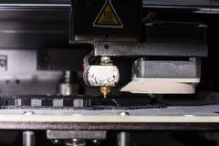 Αντικείμενο εκτύπωσης σε έναν βιομηχανικό τρισδιάστατο εκτυπωτή Στοκ Εικόνα
