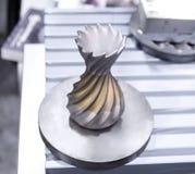 Αντικείμενο που τυπώνεται από τη σκόνη μετάλλων στον τρισδιάστατο εκτυπωτή μετάλλων στοκ φωτογραφίες με δικαίωμα ελεύθερης χρήσης
