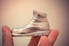 Αντικείμενο υπό μορφή μπότας που τυπώνεται σε έναν τρισδιάστατο εκτυπωτή και που καλύπτεται με το σμάλτο στοκ εικόνες με δικαίωμα ελεύθερης χρήσης