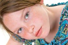 αντιμέτωπο κορίτσι φακίδω&n Στοκ εικόνα με δικαίωμα ελεύθερης χρήσης