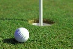αντιμετωπίστε την τρύπα golfball Στοκ Εικόνες