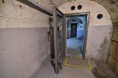 Αντι αποθήκη Πράγα αεροσκαφών - πόρτα μετάλλων ασφάλειας Στοκ φωτογραφία με δικαίωμα ελεύθερης χρήσης