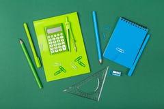 αντι γραφείο άλλα sharpener ψαλιδιού stapler χαρτικά στοκ εικόνες