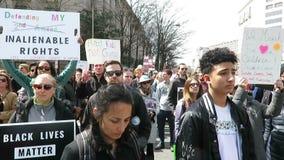 Αντι διαμαρτυρόμενοι πυροβόλων όπλων στη συνάθροιση στο Washington DC απόθεμα βίντεο